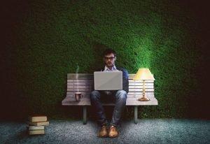 Jak przekonać programistę do pracy w banku?
