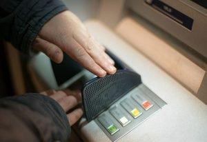 Oszuści podają się za PKO Bank Polski. KNF ostrzega