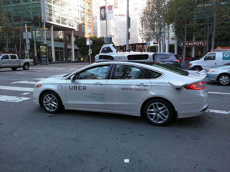Uber zwalnia kierowców bezpieczeństwa. Co dalej z autonomicznymi samochodami?