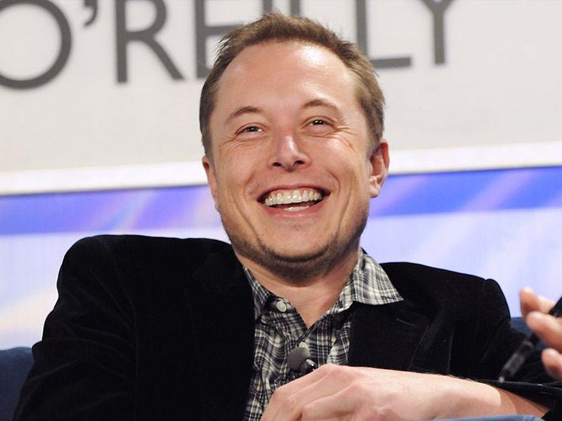Elon Musk zmienia zdanie. Tesla nie opuści giełdy