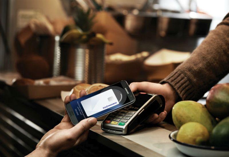 Samsung Pay chwali się wynikami. Jak prezentują się na tle Apple Pay?