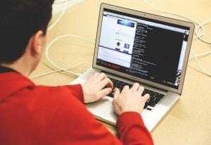 Wraca groźna grupa hakerów. Zagrożone także banki z Polski