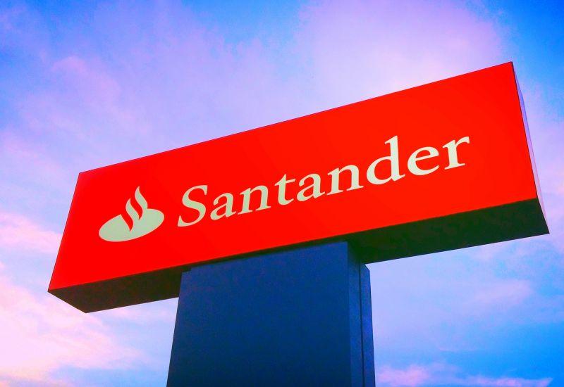 Santander przejmuje brytyjski startup