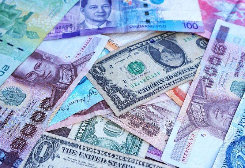 Karta wielowalutowa dla firm od Alior Banku. Czy to się opłaca?