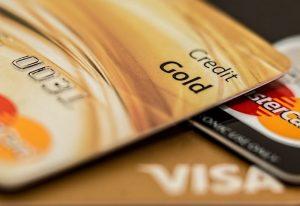 Polacy noszą przy sobie już ponad 40 mln kart płatniczych