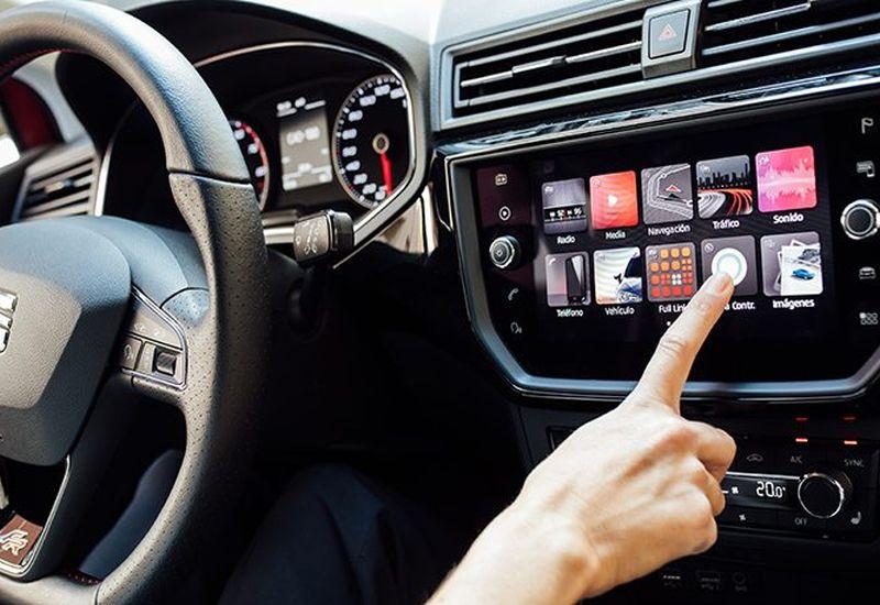 Alexa podbija motoryzację. SEAT popularyzuje usługę w Europie