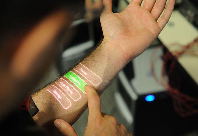 Mikrochipy pod skórą. W Szwecji to już norma