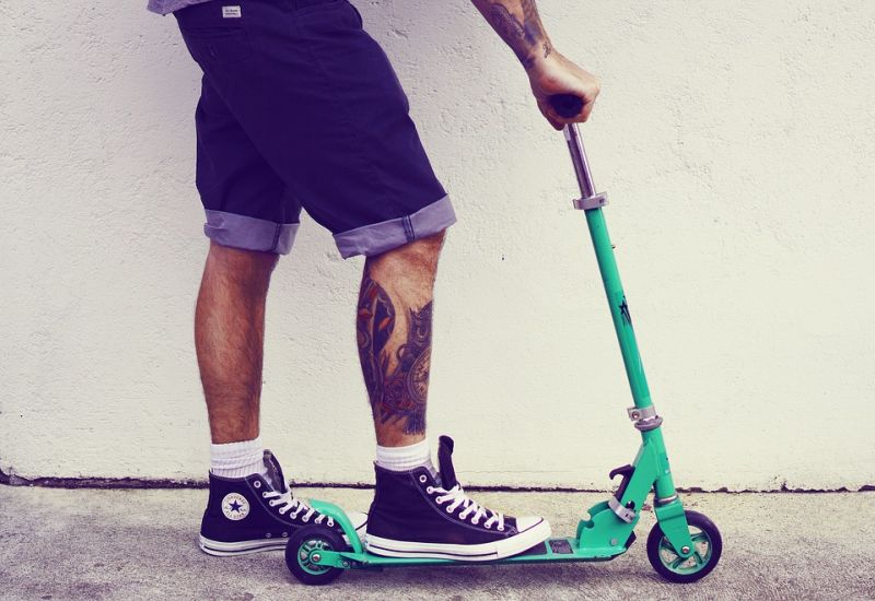 Shorts Trainers Tattooed Man Tattoos Guy Scooter