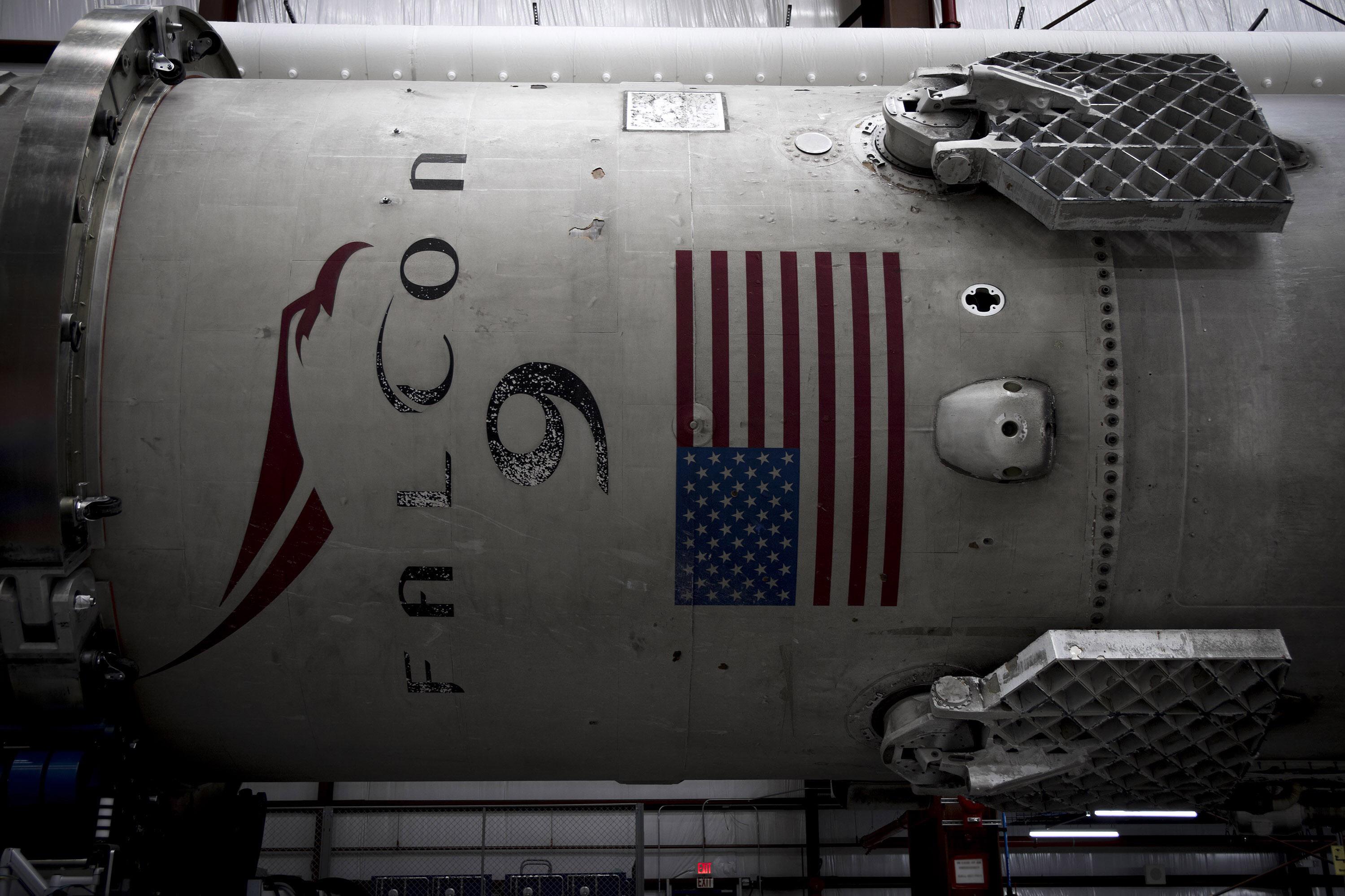 SpaceX-Falcon-9-2