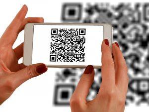 Uważajcie na podejrzane kody QR umieszczane na bankomatach