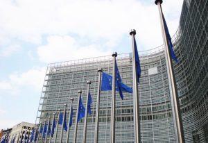 Ponad połowa mieszkańców UE korzysta z bankowości elektronicznej
