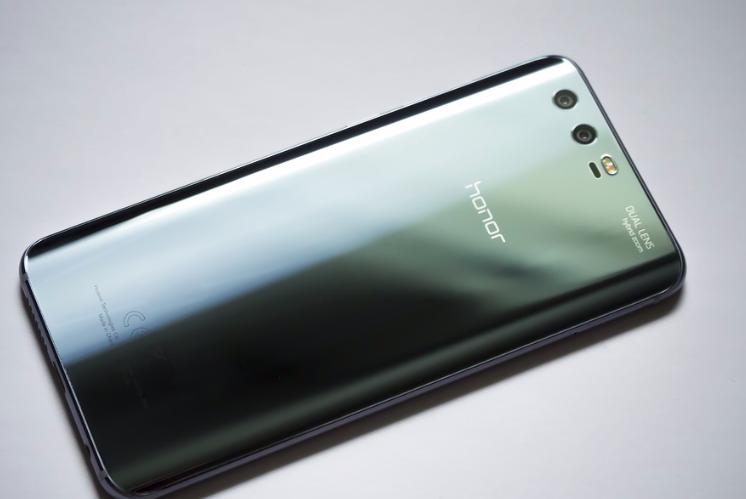 Huawei największym producentem smartfonów już w 2019 roku