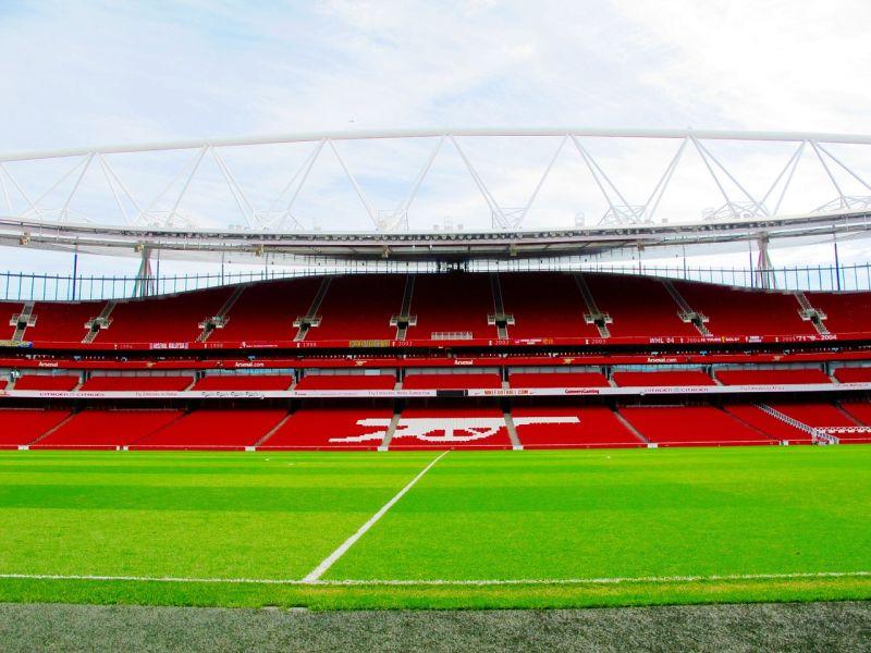 Piłka nożna a FinTech. Czyli o tym jak stadiony stymulują rozwój gospodarki