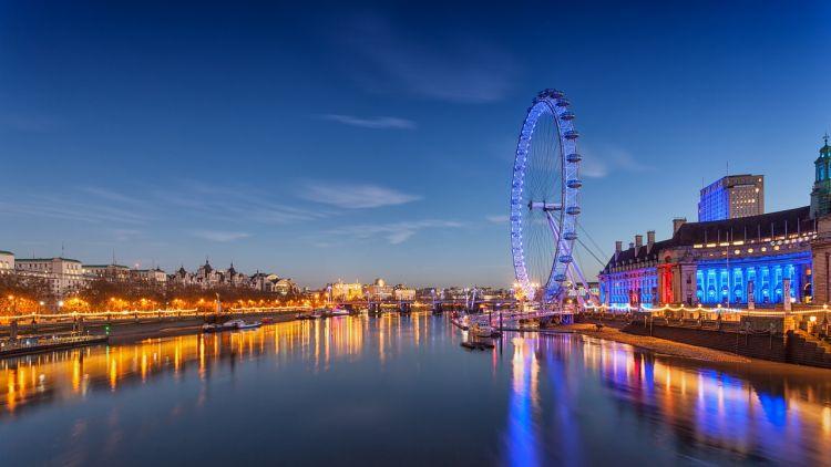 Dobrze być fintechem w Wielkiej Brytanii? Pensje wciąż rosną, ale Brexit niepokoi