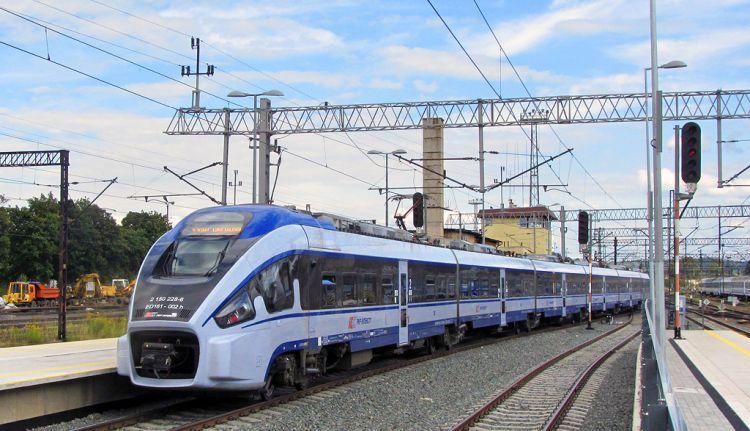 Do pociągu tylko ze smartfonem. PKP Intercity honoruje dowód w telefonie