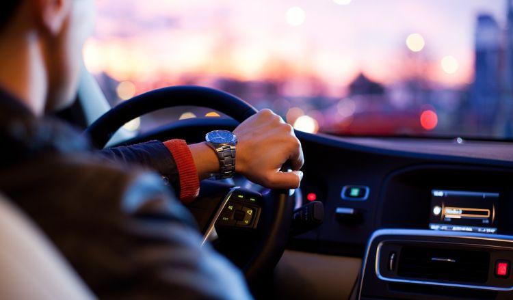 Prawo jazdy w smartfonie coraz bliżej. Nowe przepisy mogą wejść w życie już w przyszłym roku
