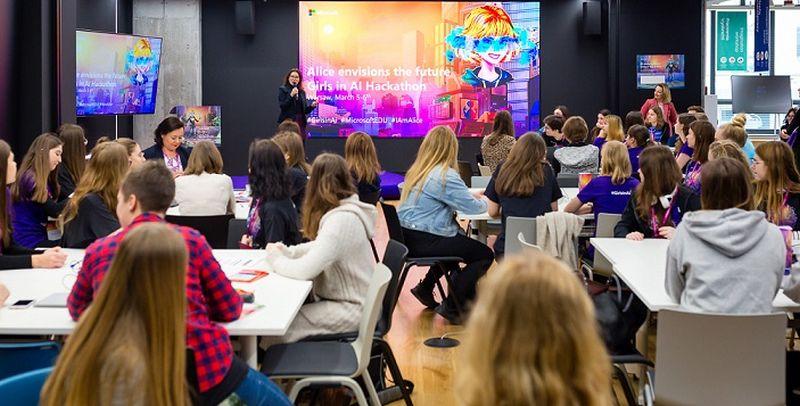 Girls in AI. W Warszawie startuje hackathon dla dziewcząt