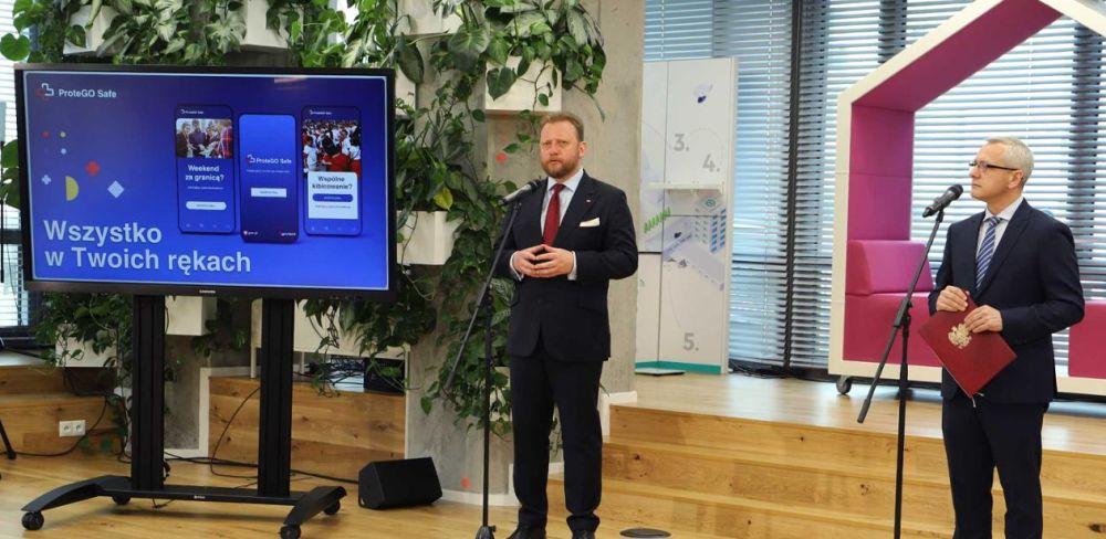Nowa wersja aplikacji ProteGO Safe już dostępna. Pomoże w walce z koronawirusem. Źródło: Ministerstwo Cyfryzacji